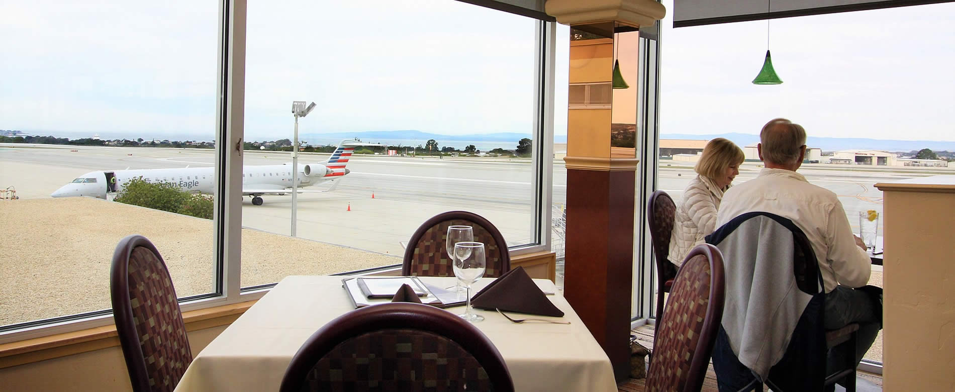restaurant fly away cafe @ monterey regional airport